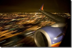 travel-image_airplane-landing1-708900
